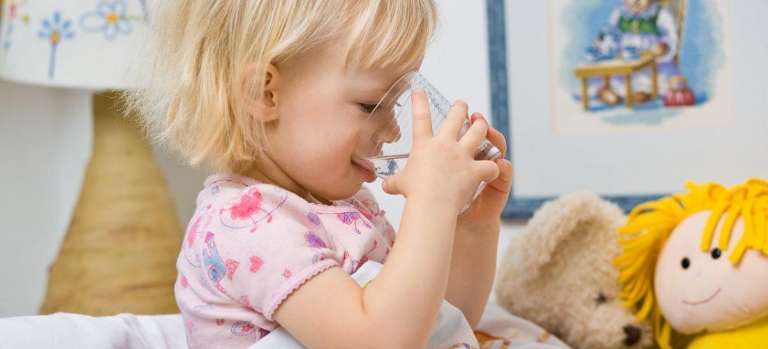 Jak uzupełnić elektrolity podczas biegunki?